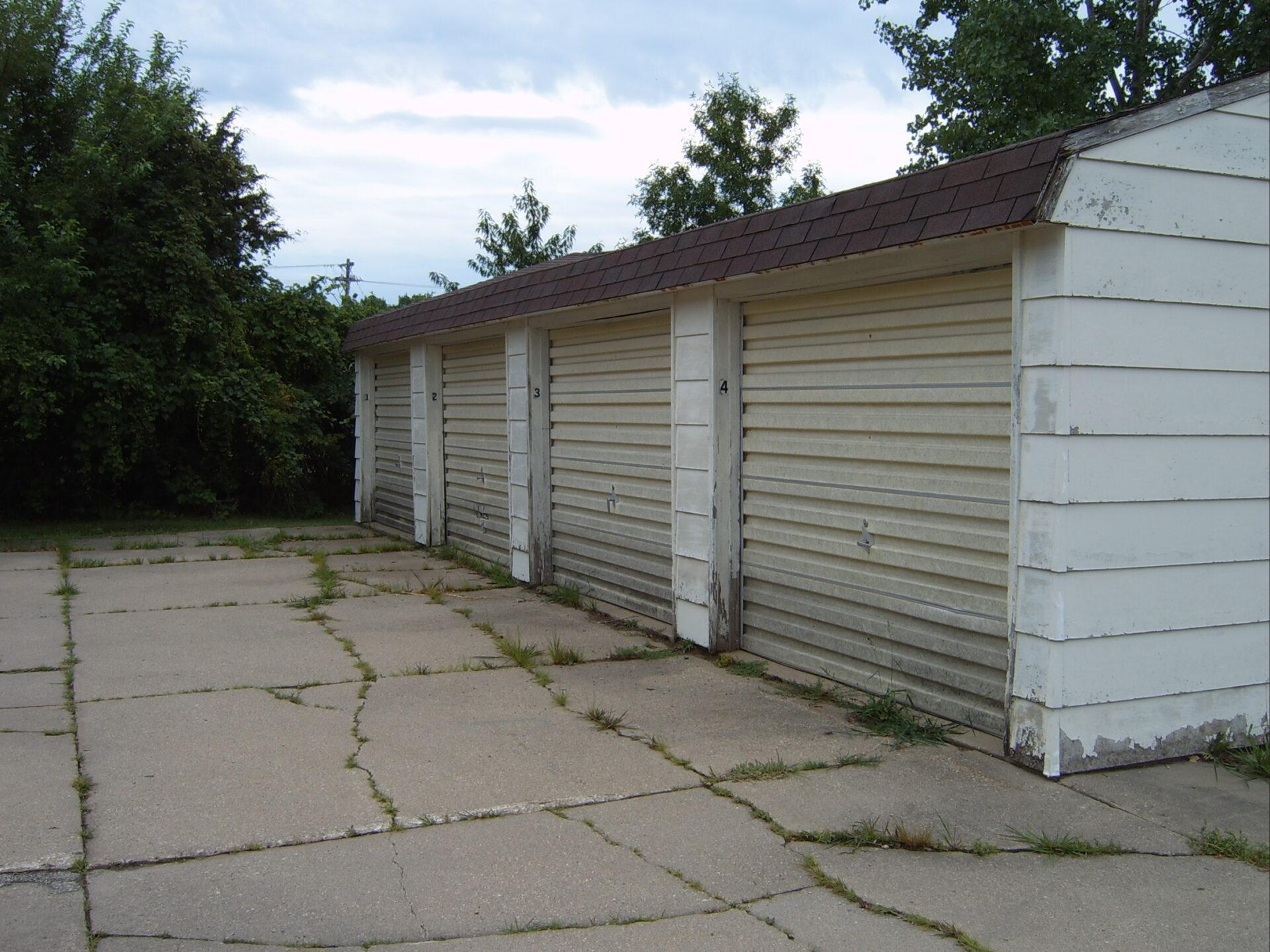 pca-tenant4-car-garage